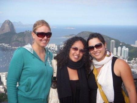 Angela (Manga Rosa), Vicki (Sabeginha) and Me (Andorinha)